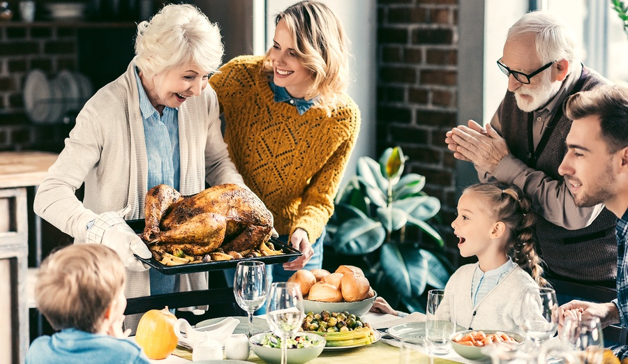 The Season of Giving Thanks (+ 3 home improvement tips in time for Thanksgiving!)