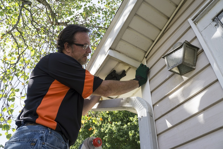 7 Questions to Ask a Home Improvement Contractor Before Signing