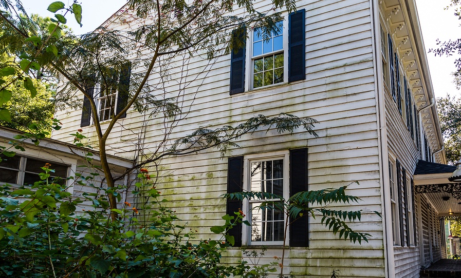 8 Signs Your Siding Needs Replacing