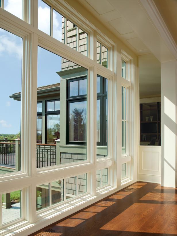 CI-Anderson-windows-and-doors-floor-to-ceiling_s3x4.jpg.rend.hgtvcom.616.822